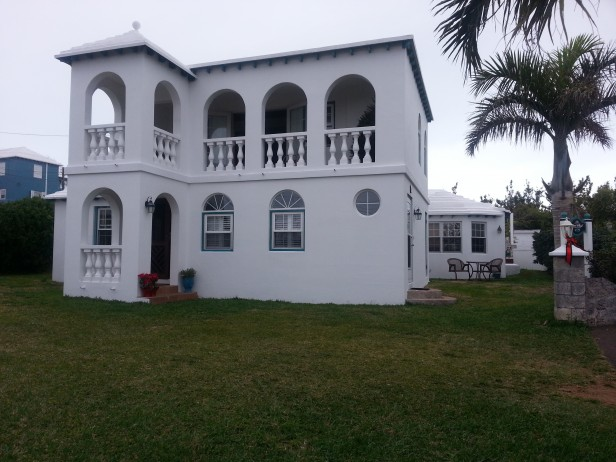 Short-Term Rental only – Furnished 2 Bed/1 Bath Smith's Parish – $3,000 inclusive